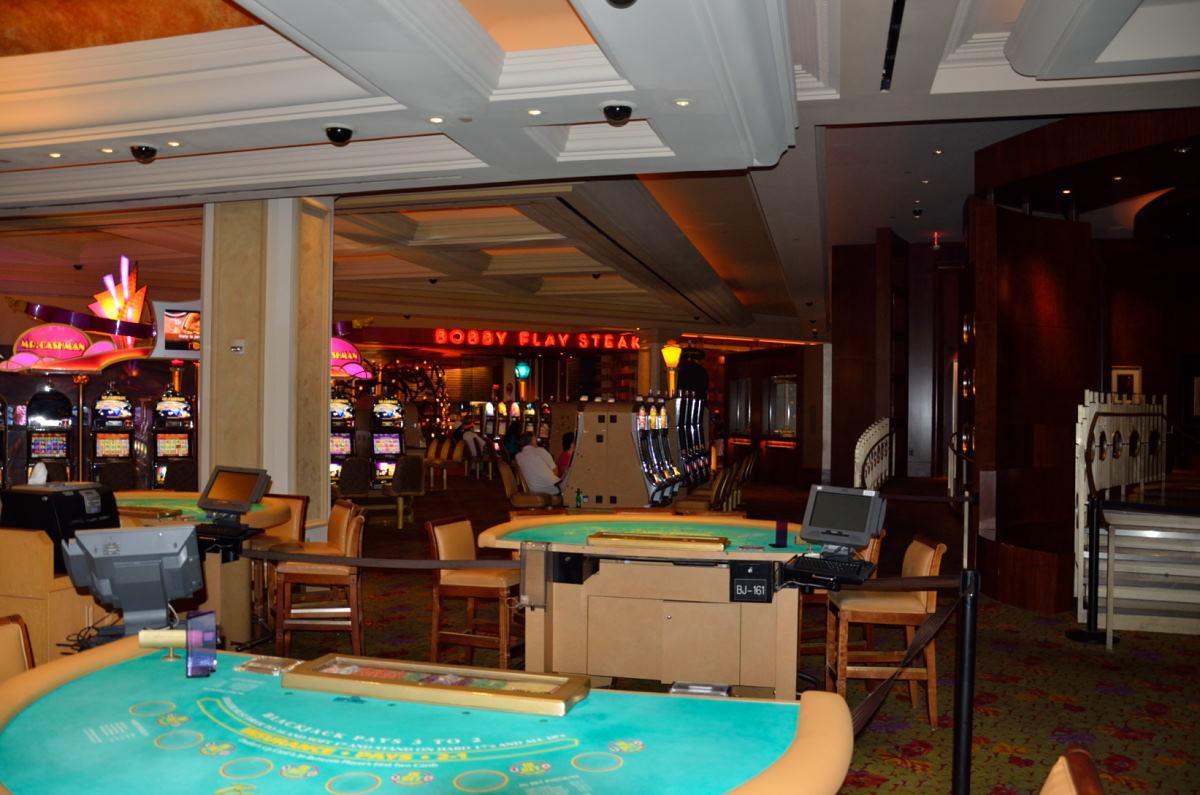fantasy spring resort and casino