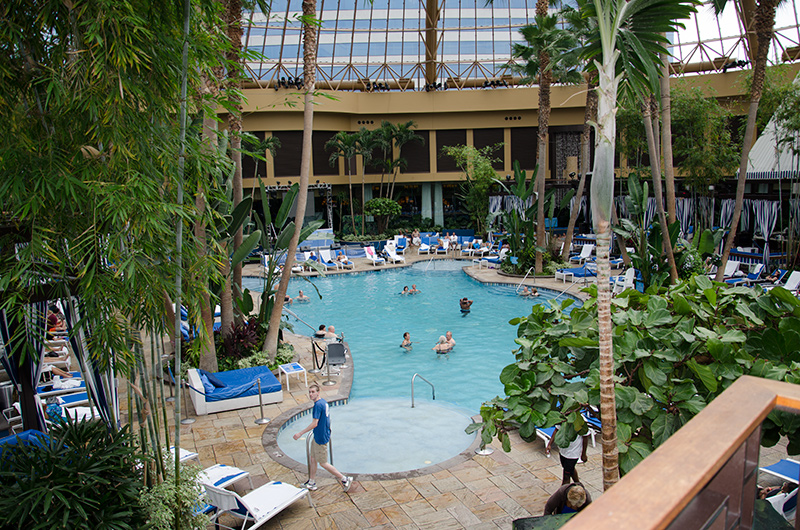 Harrah's Atlantic City indoor pool